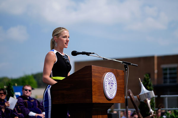 Czarniak inspires at Commencement